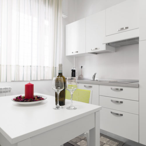 Acquaviva Apartments - Stanza Frizzante Appartamenti a Napoli 02